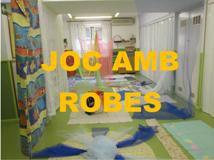 """Sessió multisensorial """"JOC AMB ROBES"""""""