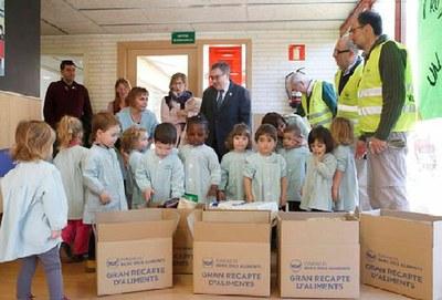 La xarxa de les 18 Escoles Bressol Municipals col·laboren a la recollida del Banc dels Aliments
