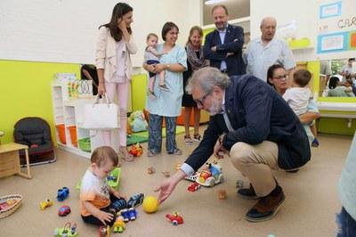 L'alcalde, Fèlix Larrosa, reivindica l'aposta de Lleida per les escoles bressol en l'inici del curs escolar